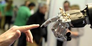 """Découvrez les résultats de notre étude """"Robotique et Qualité de Vie au Travail"""""""